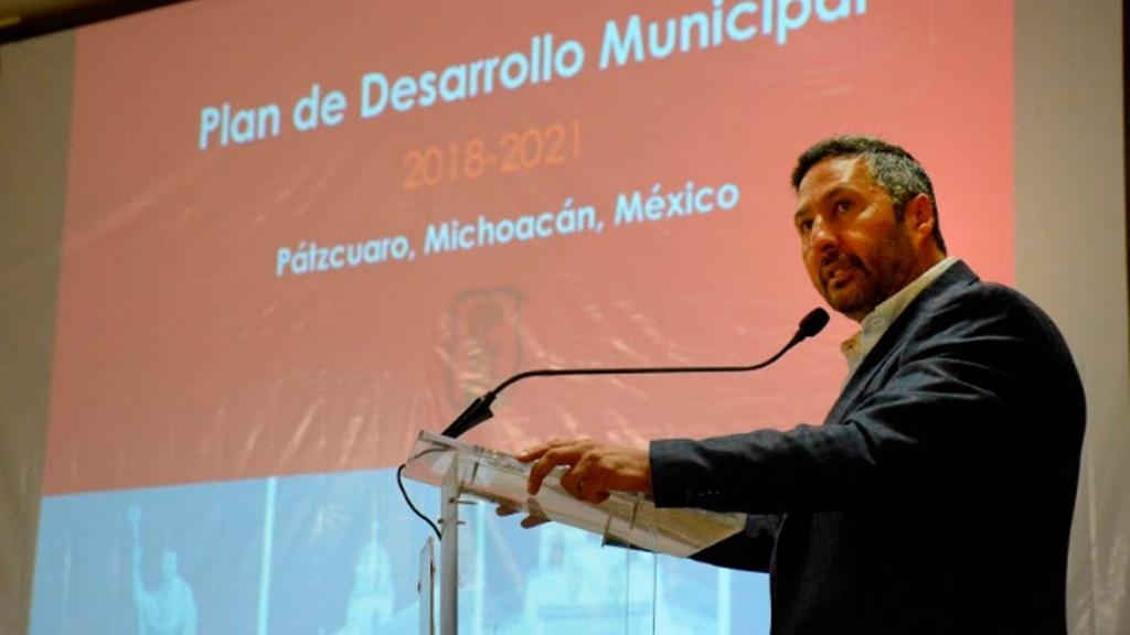Presenta Víctor Báez Plan De Desarrollo Municipal 2018-2021