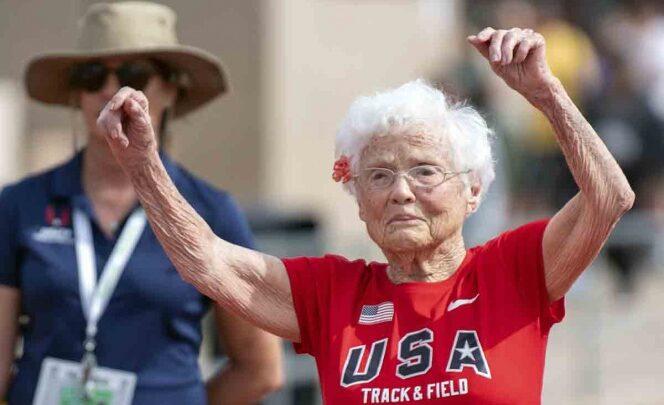 Julia Hawkins tiene 103 años y acaba de correr los 100 metros planos