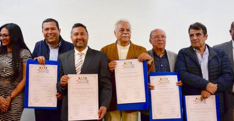 Recibe Víctor Báez reconocimiento en Morelia por la campaña Cero Plásticos