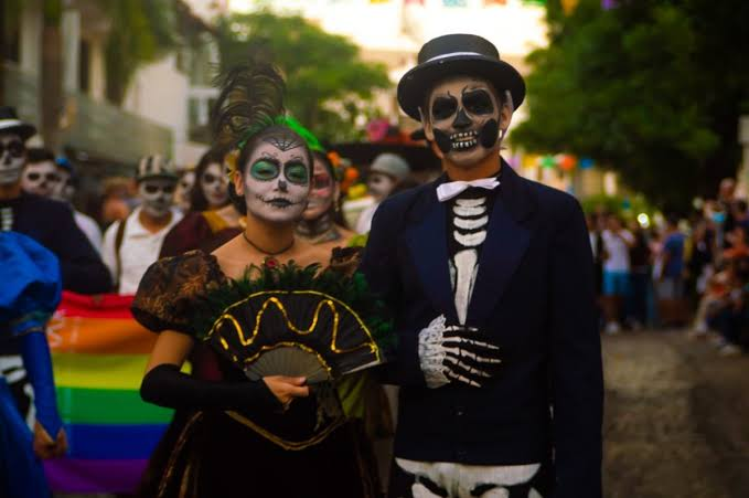 Desfile de Catrinas en Pátzcuaro