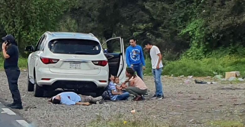Padre e hijo de seis años se resisten a asalto; los asesinaron
