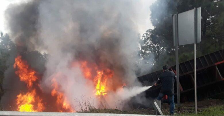 4 jornaleros muertos tras encontronazo entre camioneta y tráiler