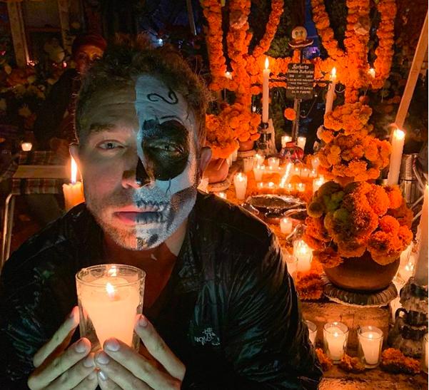 Los 3 embajadores que vivieron la Noche de Muertos en la zona lacustre de Pátzcuaro