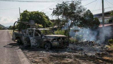 Hay detenidos por ataque a policías en Aguililla, Michoacán