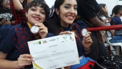 Alumnas de Michoacán triunfan en Brasil con proyecto de chocolate vegano y para diabéticos