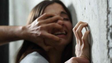 Por presunta violación a su hijastra es detenido en Michoacán