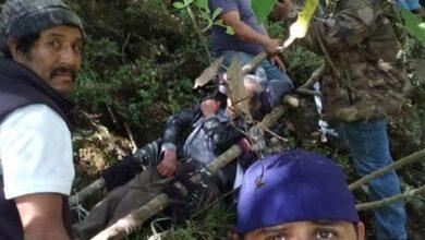 VIDEO: Patzcuarenses rescataron a hombre lesionado en barranca de Pátzcuaro