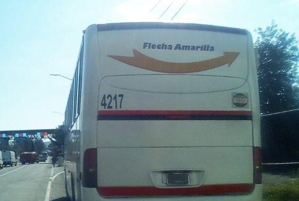 45 Normalistas de Tiripetío arriban a caseta de Zinapécuaro, Michoacán