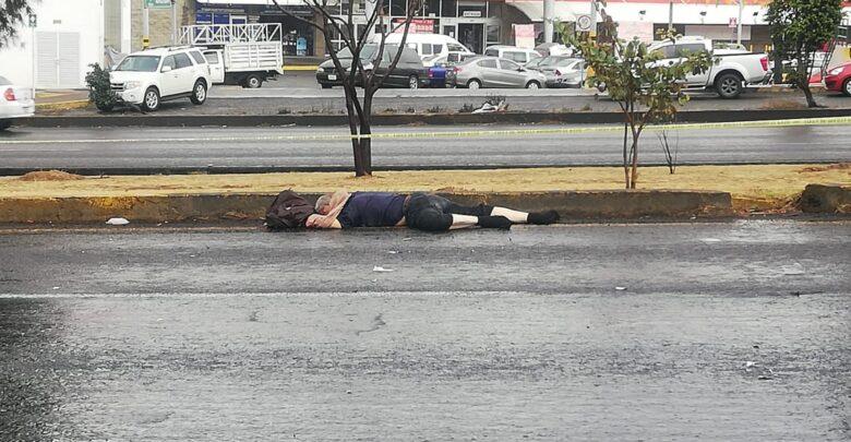 Adulto mayor muere atropellado en libramiento de Morelia, Michoacán