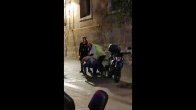 VIDEO: Captan golpiza a un cliente fuera de bar en Morelia, Michoacán