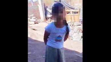 Maestra humilla y corre a alumna de primaria por no leer bien, en Huetamo, Michoacán