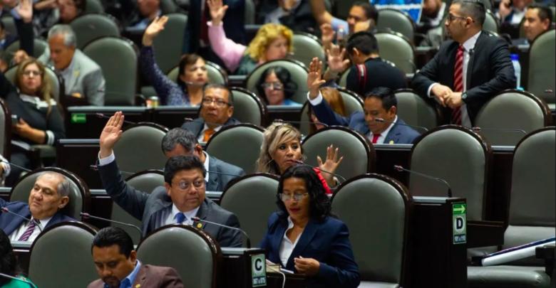 Diputados aprueban reglas para reelegirse hasta el 2030