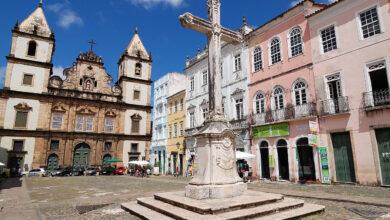 """Para el presidente de Brasil las misas son """"servicios esenciales"""" y deben seguir pese a coronavirus"""
