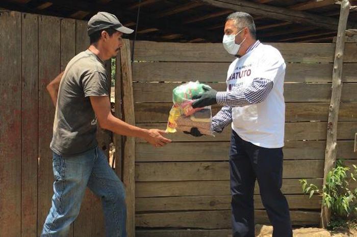 3 mil despensas entregadas a domicilio en Pátzcuaro