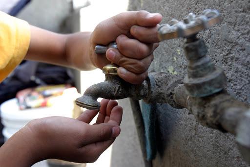 Algunos vecinos de colonias de Pátzcuaro reclaman la falta de agua es desde hace meses
