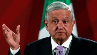 López Obrador asegura que una conspiración de la derecha quiere quitarlo de la Presidencia (muestra documento)