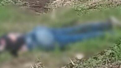 Hallan el cuerpo de una Mujer en una carretera de Michoacán