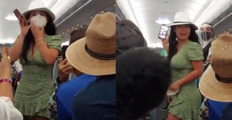 VIDEO: Lady COVID; La bajan de avión por no usar cubre bocas