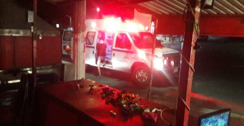Lázaro Cárdenas: Vendedora de pan y dos hombres heridos de bala