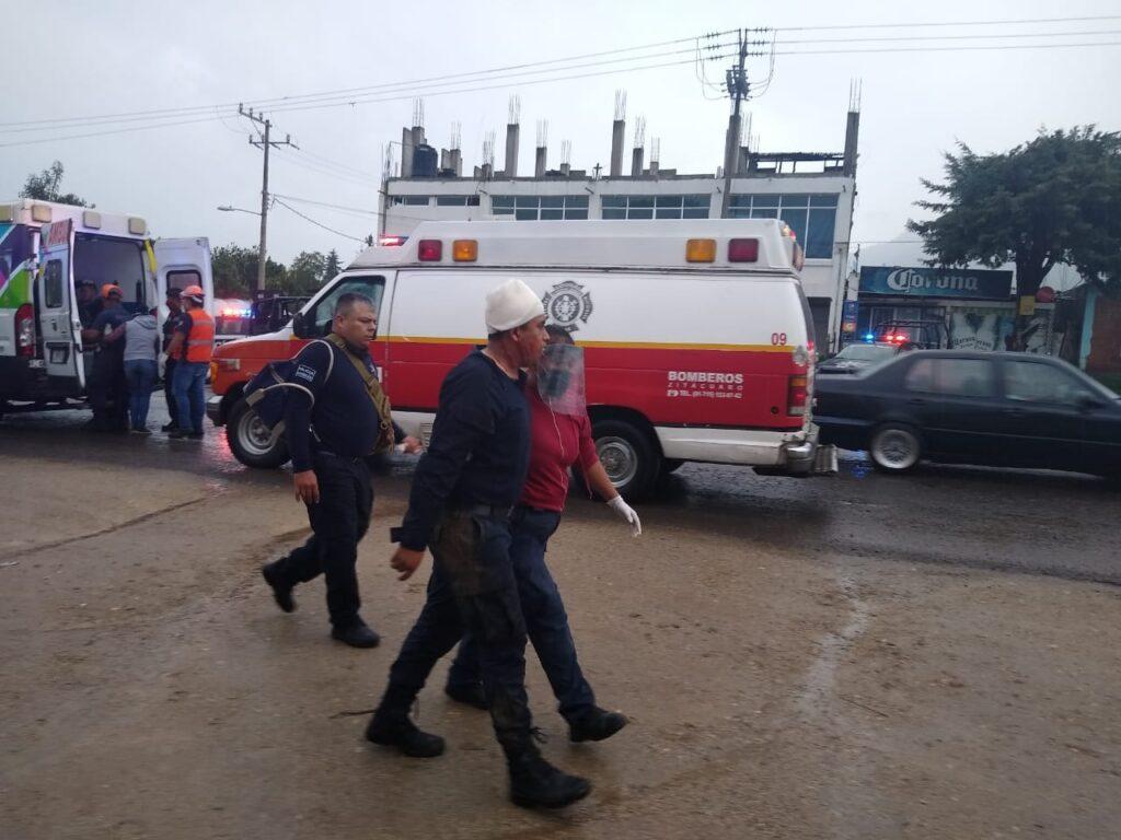 Patrulla se vuelca y deja muertos y heridos, en Zitácuaro - Pátzcuaro Noticias