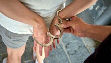 En Pátzcuaro detienen a sujeto con moto robada y presunta metanfetamina