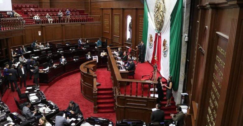 Diputados de Michoacán aprueban endeudamiento millonario