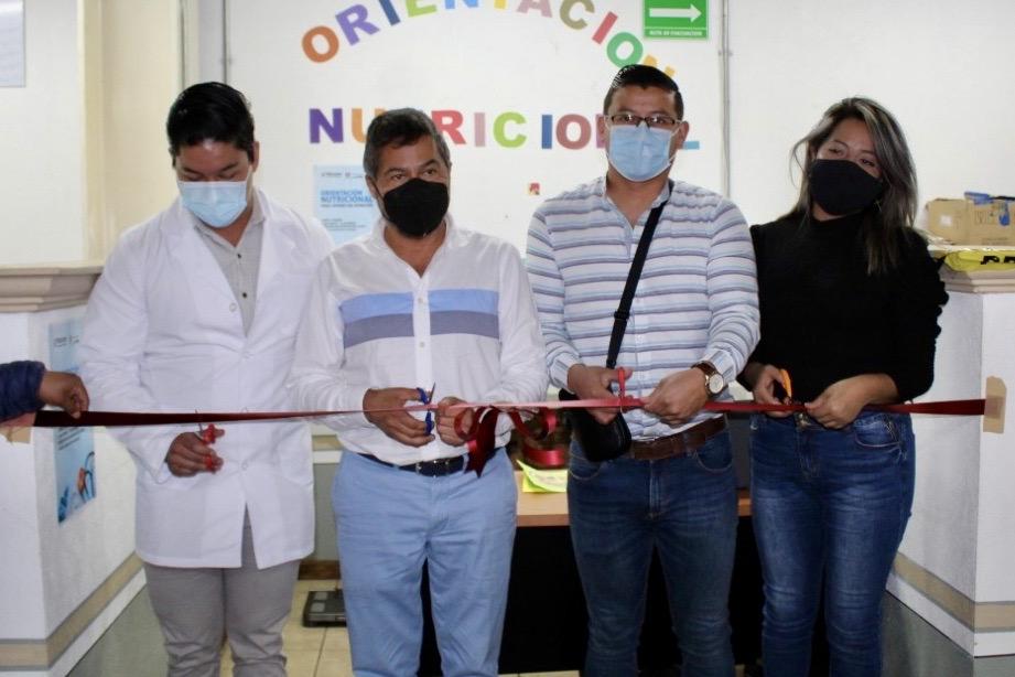 Inaugura Víctor Báez Módulo de Orientación Nutricional