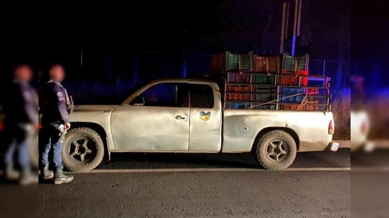 Detienen en Pátzcuaro a sujeto en posesión de mercancía presuntamente ilegal