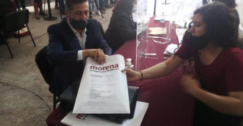 Víctor Báez se registró como precandidato de MORENA al gobierno de Michoacán