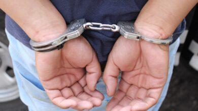 Detienen en Pátzcuaro a sujeto con auto robado