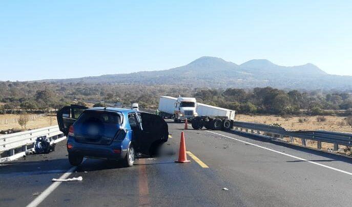 Accidente vehicular en la carretera Pátzcuaro-Copándaro