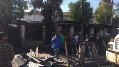 Se queman locales de artesanías en plaza de Quiroga 2