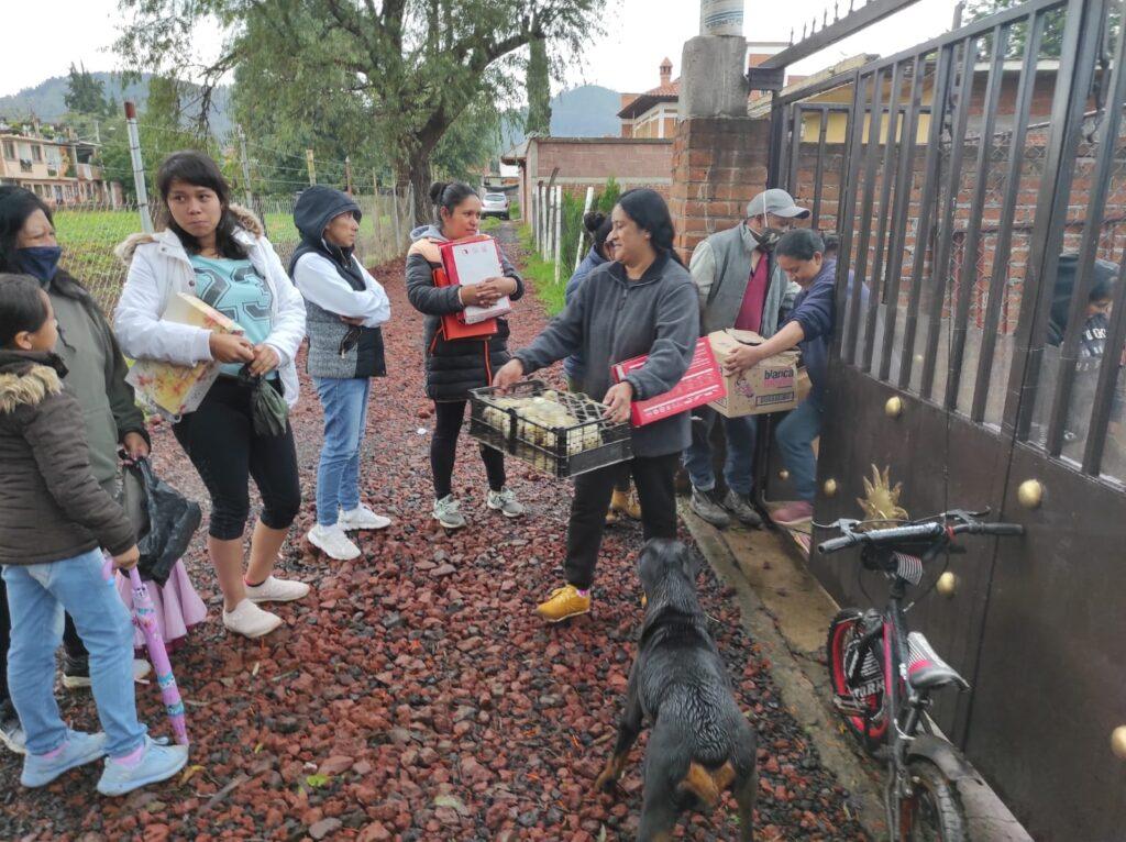 Entrega Julio Arreola beneficios a 80 familias de Pátzcuaro [FOTOS]