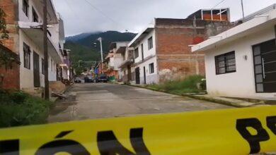 Grupo armado rafagea dentro de una casa; mataron a 3 personas