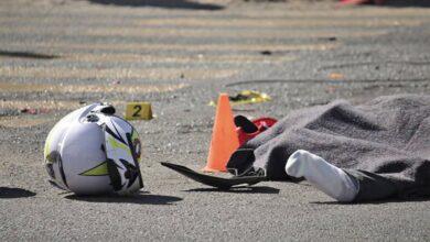 Motociclista muere tras chocar con un señalamiento en la carretera Pátzcuaro-Morelia