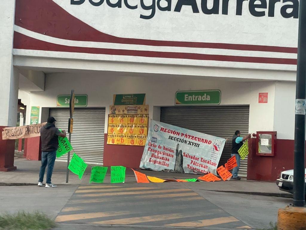 FOTOS: La CNTE toma tiendas departamentales en Pátzcuaro, Quiroga y Ario de Rosales