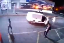 VIDEO: Atacan a tiros a jóvenes en bar de Morelia